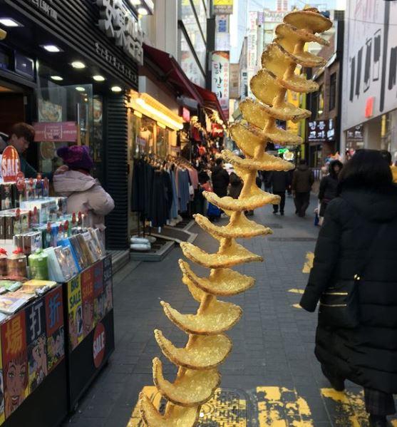 Korean food street sering dijumpai di Indonesia © berbagai sumber