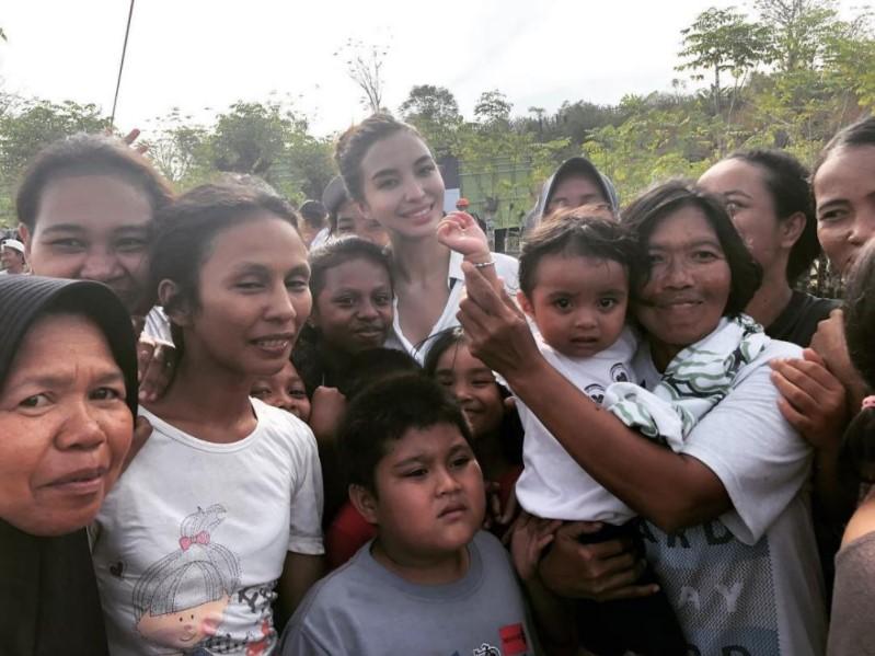seleb jadi relawan untuk korban bencana alam dari berbagai sumber