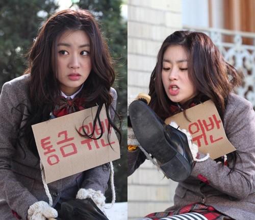 pesona Kang Sora sejak masih muda dari berbagai sumber
