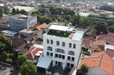 8 Penampakan rooftop rumah Zaskia Sungkar, bak hotel berbintang