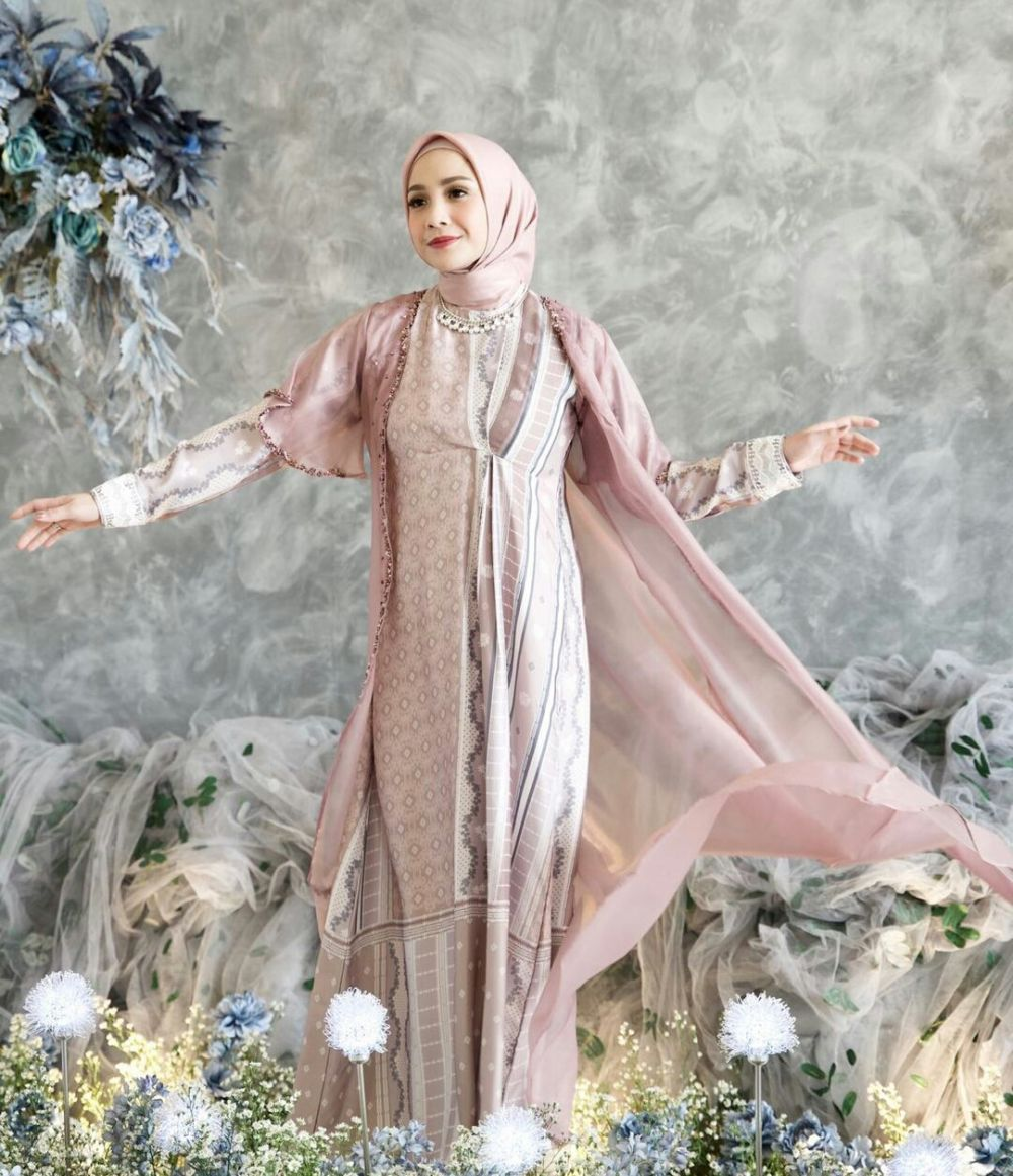 Nagita Slavina jadi model busana muslim © 2021 brilio.net