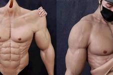 Kostum ini membuat tubuh berotot secara instan tanpa perlu ke gym