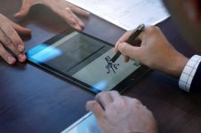 VIDA gandeng Adobe hadirkan tanda tangan elektronik tersertifikasi