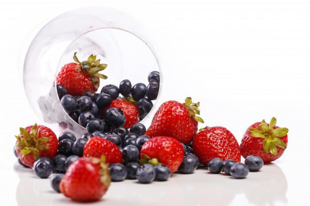 Makanan pencegah bibir kering © berbagai sumber