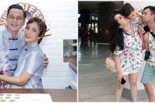 Potret 10 presenter ganteng kembaran baju dengan pasangan, serasi pol
