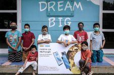 Peduli pendidikan anak di pelosok Indonesia, realme bagikan C20