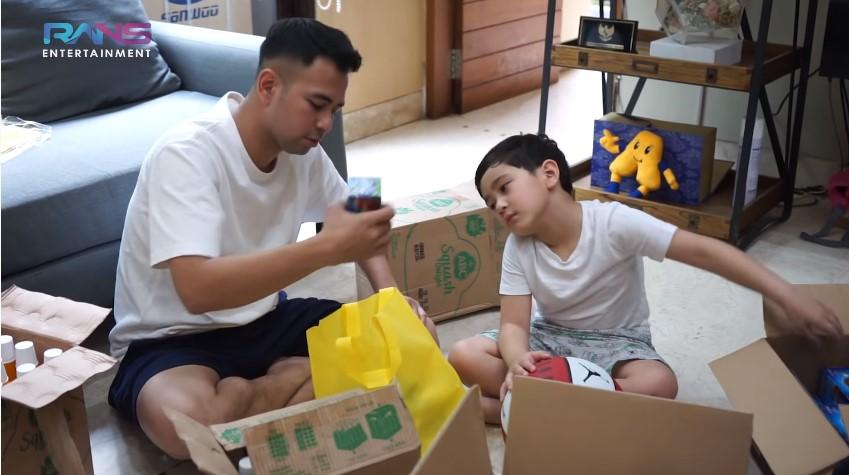 Momen Nagita dan Raffi siapkan ratusan sembako Youtube/Rans Entertainment