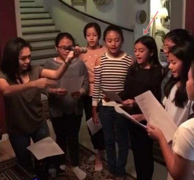 Yuni Shara mengajar nyanyi © Instagram