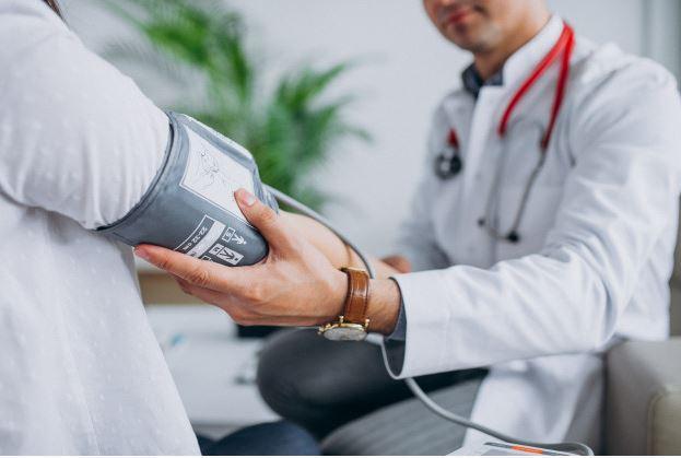 manfaat nanas merah dapat menurunkan tekanan darah © freepik.com