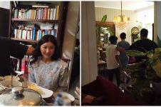 9 Potret rumah Mama Erna ibunda Ivan Gunawan, rindang bernuansa putih
