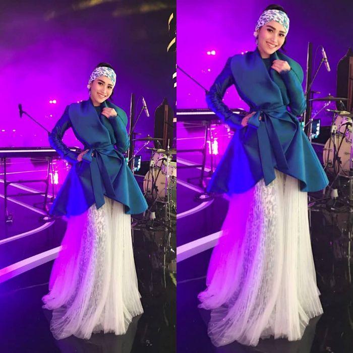 Penyanyi kenakan turban © Instagram