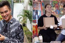 10 Momen Paula buka kado ultah Baim Wong dari karyawan, isinya unik
