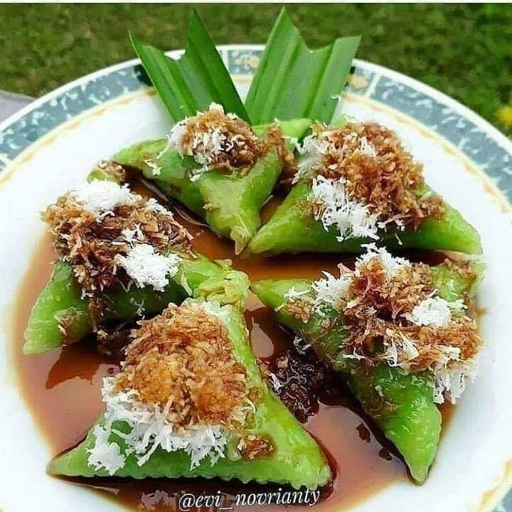 Resep jajanan tradisional berbahan kelapa parut Instagram
