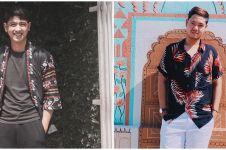 6 Adu gaya Arya Saloka dan adiknya, suka tampil santai