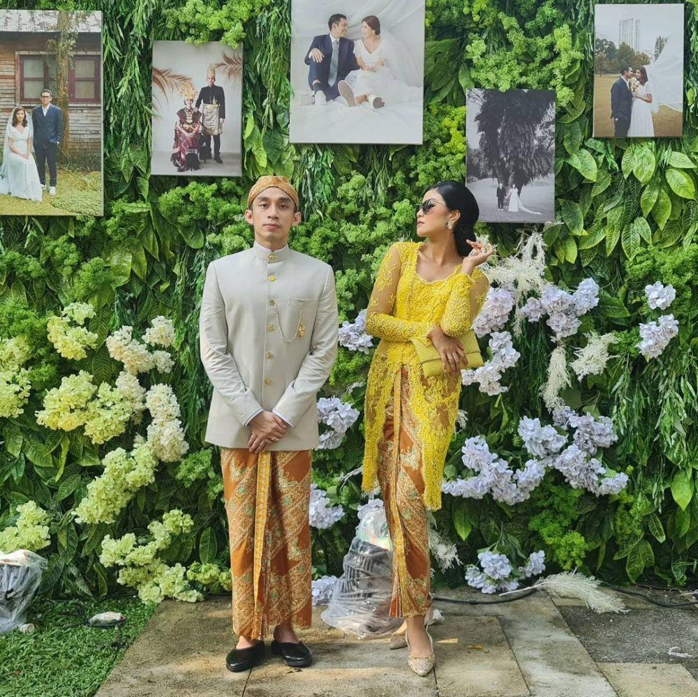 gaya kondangan puteri indonesia © Instagram