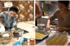Potret seru 6 seleb cantik masak kue Lebaran, bikin ngiler!