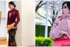 8 Gaya hijab Syahrini saat Lebaran, mewah dan penuh warna
