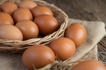 bau amis telur pada kue ©freepik