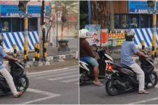Viral video lucu pria kena prank lampu lalu lintas, bikin geregetan
