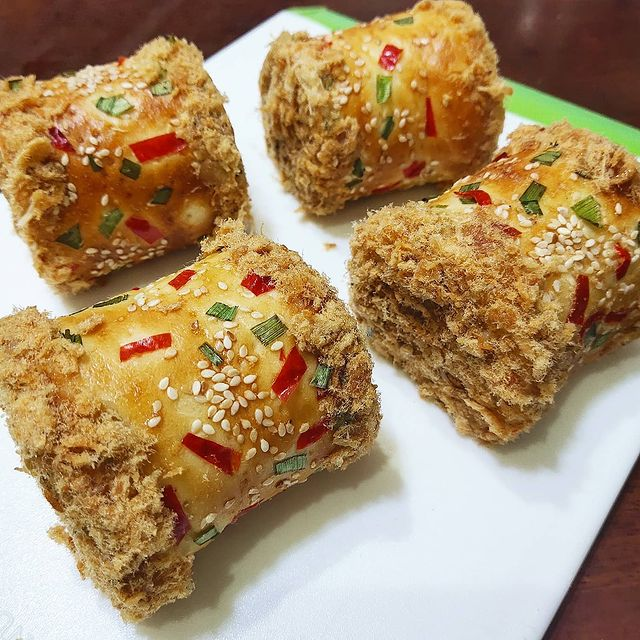 10 Resep kreasi roti abon gurih © berbagai sumber