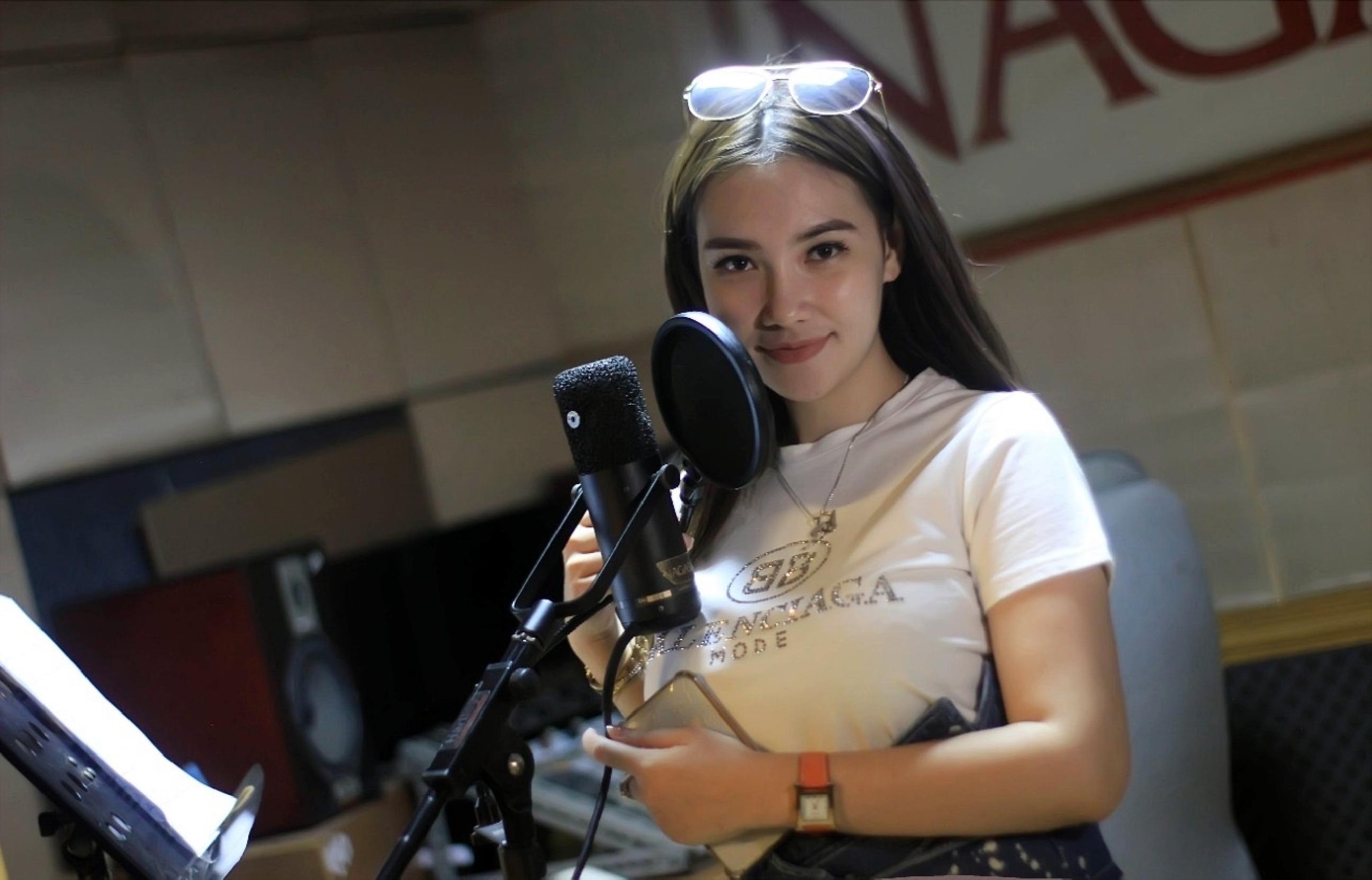 Ditengah sibuk pemotretan, Puteri Juby siapkan single pop terbaru
