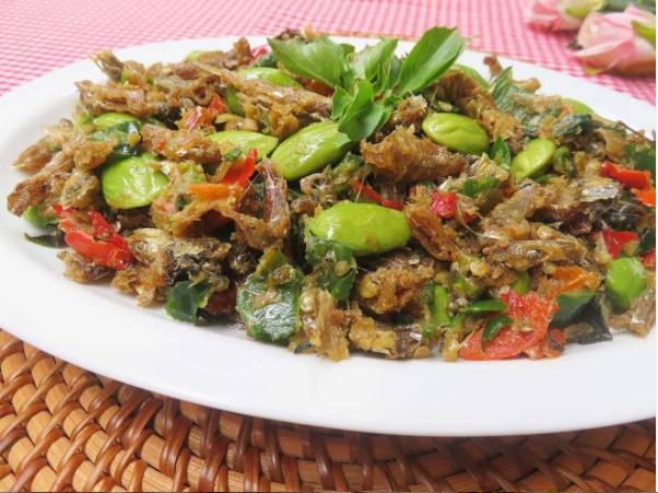 10 resep tumis teri pedas © berbagai sumber