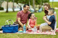 4 Tips & menu nikmat untuk si kecil piknik di rumah, seru dan asik