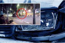 Viral aksi pemotor bantu kecelakaan di jalan, ternyata lagi syuting