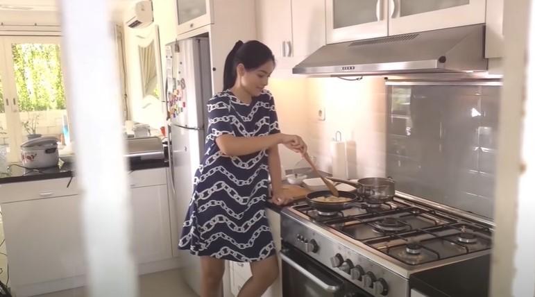 Resep masakan buat suami ala 10 seleb  berbagai sumber