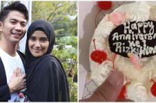 7 Potret anniversary pernikahan Rizki DA dan Nadya Mustika, romantis