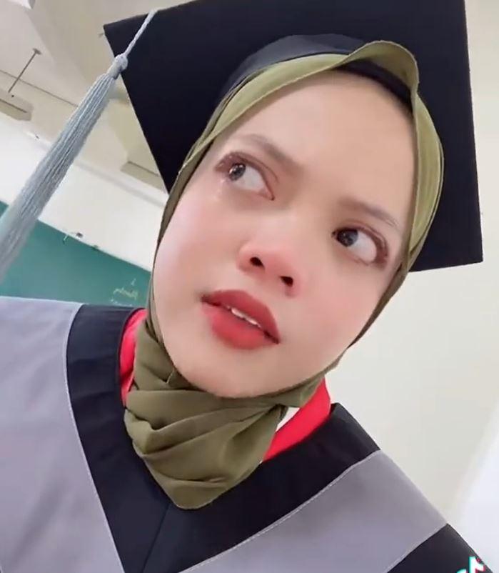 Dian Nursiati lulusan Taiwan © Instagram