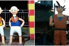 15 Potret lucu patung di tempat umum ini bentuknya absurd abis