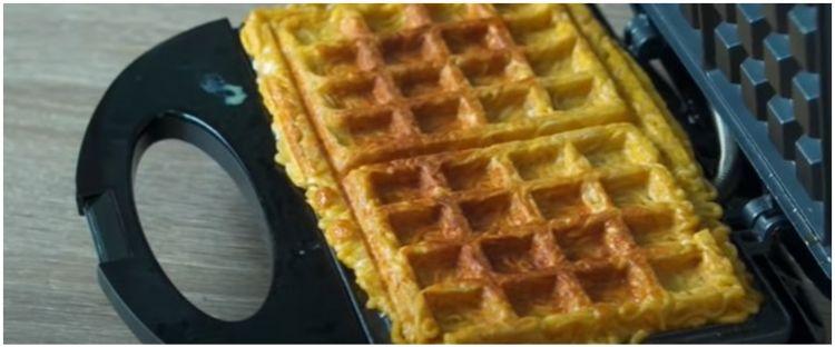 7 Kreasi waffle viral ini antimainstream, ada dari nasi Padang