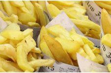5 Bahaya membungkus makanan pakai kertas cetak, picu kanker