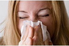 9 Makanan dan minuman ini perlu dihindari saat batuk kering