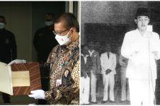 Penampakan naskah asli teks proklamasi, ada tulisan tangan Soekarno