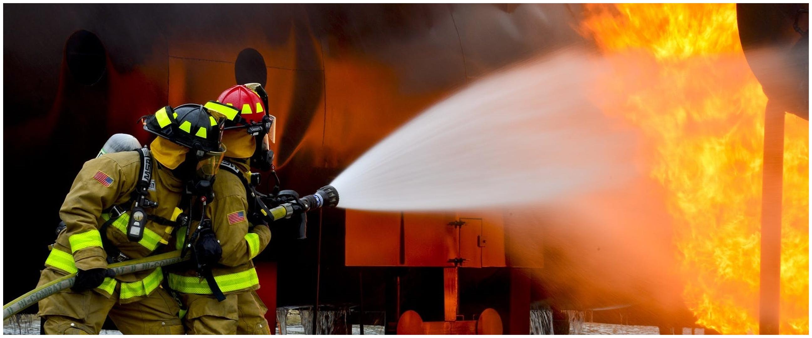 Aksi pria bantu padamkan kebakaran ini berujung tragis