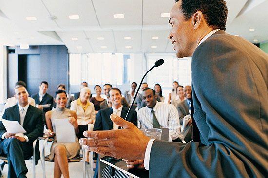Tips Jago Public Speaking © 2021 brilio.net