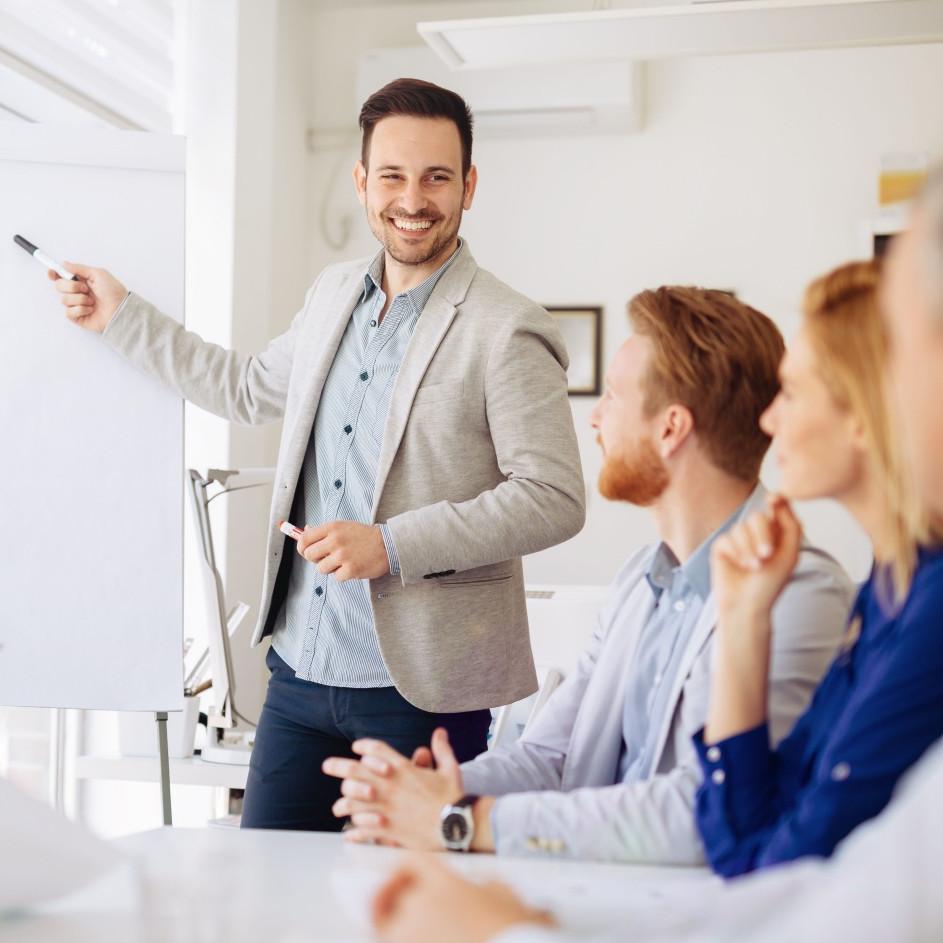 9 Tips jago public speaking, bikin kamu tambah pede di segala kondisi