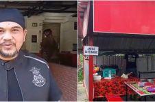 9 Penampakan warung sosis bakar milik Ficky anak Rhoma Irama
