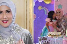 7 Momen Venna Melinda rayakan ultah Vania Athabina, bertema unicorn