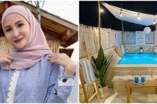 5 Ide estetik Natalie Sarah menata rooftop, bernuansa ala Santorini