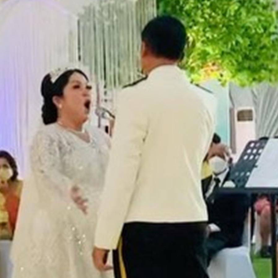 7 Momen pernikahan Joy Tobing dan Kolonel Cahyo Permono, penuh khidmat