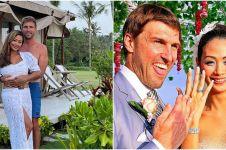 Kenang 10 tahun menikah, ini 7 potret lawas pernikahan Indah Kalalo