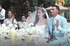 9 Detail gaun nikah Jessica Iskandar, veil-nya bertuliskan janji suci