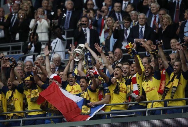 Foto : Juara Lagi, Arsenal Pegang Rekor Trofi FA Cup Terbanyak #Test