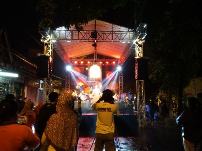 Syahdunya Pasar Keroncong Kotagede di tengah gerimis romantisnya Jogja