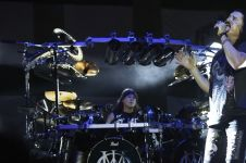 25 Foto komplet konser Dream Theater 25th Anniversary Tour di Jogja