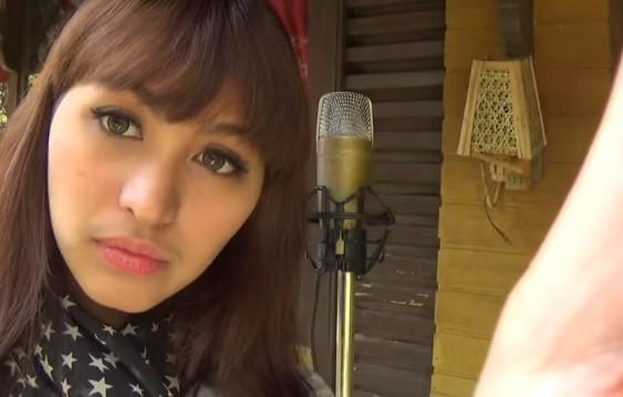 Cover Lagu Izinkan Aku Menyayangimu - Iwan Fals © 2016 famous.id