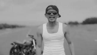 Video Klip 'Ora Minggir Tabrak', Lagu Hip-Hop Keren Dalam Scene AADC 2